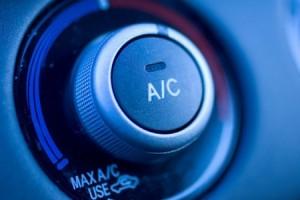 Vergeet het onderhoud van de airconditioning van uw auto niet !