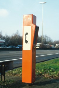 Praatpalen langs Belgische autosnelwegen verdwijnen pas na 2015